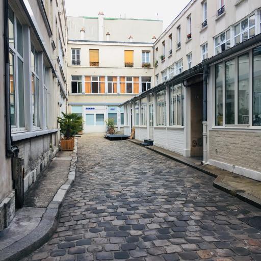 DES NOUVEAUX BUREAUX A PARIS